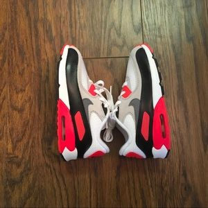 Nike Air Max Boys Size 10, New Without Box